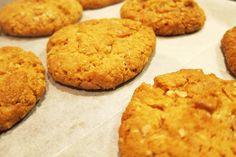 עוגיות בוטנים ושוקולד לבן
