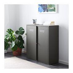 IKEA - IVAR, Skåp med dörrar, Skåpet passar i förvaringssystemet IVAR, men du kan även ha det fristående.Gott om förvaringsutrymme till att förvara stort som smått - allt från pärmar i kontoret, prylar i köket, kläder och väskor i hallen samt städartiklar och sopsortering.Du kan anpassa insidan efter behov genom att flytta hyllplanet.Dörrarna är låsbara och skyddar dina saker från damm och smuts.