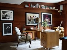 Celebrity Homes: Tour Dakota Johnson's Mid Century House ⇒ Dakota Johnson invited the Architectural Digest team to see her place of refuge from the hectic Lo. Dakota Johnson, Architectural Digest, Architectural Styles, Midcentury Modern, Johnson House, Mug Design, Hollywood Homes, In Hollywood, Inspiration Design