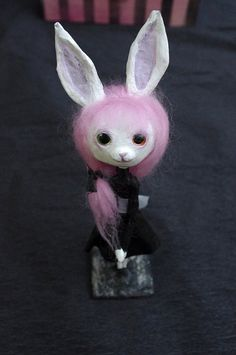 OOAK  Conejita gótica. Muñeca artística de pasta de por Villaoscura
