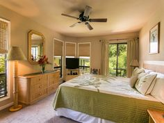 Master bedroom HBV 2?     10% off available Sept - Nov dates!! Amazing... - VRBO