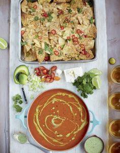 Soupe mexicaine a la tomate nachos pimentes legumes et feta