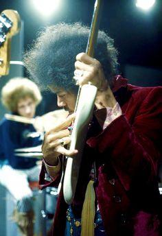 "Jimi Hendrix photographed by Nico Van der Stam (Wel known Dutch Photographer) in the TV program ""Hoepla"", (AJ) Jimi Hendrix Live, Jimi Hendrix Experience, Music Icon, My Music, Jimi Hendricks, Psychedelic Music, Janis Joplin, Rock Legends, Rock Music"