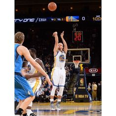 After two straight wins at home the (5-2) Golden State Warriors will try to make it a third tonight against the Dallas Mavericks. This will be the first of three matchups between the two teams this season after Golden State won three of their four meetings a year ago. #Gam30ver #StephCurry #DubNation