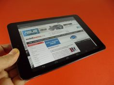 Review E-Boda Revo R85: preţ mai mic decât rivalii, audio rezonabil, unele bug-uri strică experienţa de utilizare (Video)