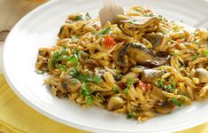 """Amateur Cook Professional Eater - Greek recipes cooked again and again: Vegetarian """"yiouvetsi"""" with orzo pasta and mixed mushrooms Vegetarian Pasta Dishes, Vegan Pasta, Pasta Recipes, Cooking Recipes, Good Food, Yummy Food, Orzo, Greek Recipes, Stuffed Mushrooms"""