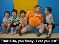 its so wrong, but i couldn't stop laughing when I saw this picture...