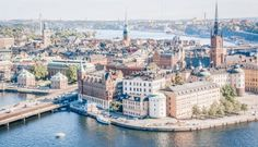 Got only one day in Stockholm? Learn how to spend the perfect 24 hours in Stockholm, with a good dose of architecture, culture and a dash of hipster! Stockholm Metro, Santiago Calatrava, Old Churches, Royal Palace, Public Transport, 17th Century, Old Town, Sweden, Paris Skyline