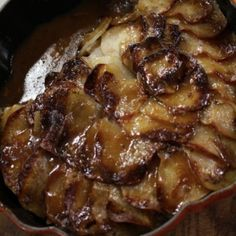 A slow-cooked classic hot pot is perfect for a hearty, family meal. This dish is mixed with lamb kidneys and herbs, then topped with sliced Maris Piper potatoes. Lamb Kidney Recipe, Kidney Recipes, Lamb Recipes, Crockpot Recipes, Morning Food, Saturday Morning, Lancashire Hot Pot, Lamb Dishes, Detox Recipes