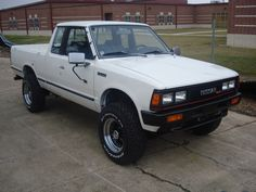 Datsun Nissan 720 Pick Up 4x4 1985 mine was red. Had multiple problems that all got fixed with a $10 t-stat.