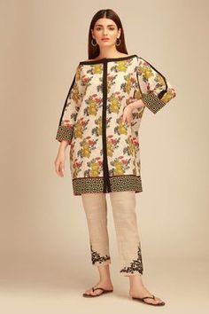 Khaadi Off White Winter Collection 2018 Whatsapp: 00923452355358 Website: www. Stylish Dress Book, Stylish Dresses For Girls, Stylish Dress Designs, Simple Pakistani Dresses, Pakistani Dress Design, Pakistani Fashion Party Wear, Pakistani Outfits, Girls Dresses Sewing, Girls Frock Design
