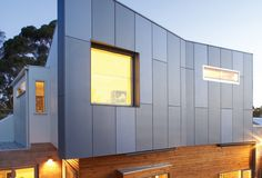 Fibre cement cladding for tiny house exterior Interior Cladding, House Cladding, Wall Cladding, Facade House, Tiny House Exterior, Exterior House Colors, Exterior Design, Cladding Materials, Cladding Systems