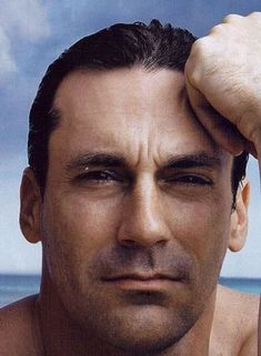 John Hamm Slicked Back Wet Hairstyle. Celebrity - The best Jon Hamm Images, Pictures, Photos, Icons and Wallpapers on RavePad! Jon Hamm, Missouri, Birthday Week, Boy Pictures, Celebrity Hairstyles, Short Hairstyles, Wet Hair, Man In Love, Gorgeous Men