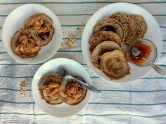 Lívanečky z ovesné mouky s třešňovým džemem a banány