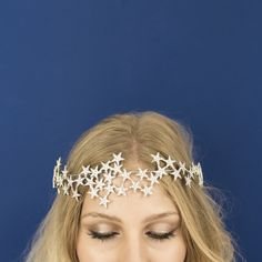 Product Info:New for Sparkling crystal encrusted cascading star crown on a rigid silver wire base with elastic, ribbon, or bobby pin attachment. Perfect for party season, bridal or just . Festival Looks, Costume Carnaval, Star Costume, Celestial Wedding, Crown Headband, Crown Hair, Headdress, Bridal Accessories, Bridal Jewelry