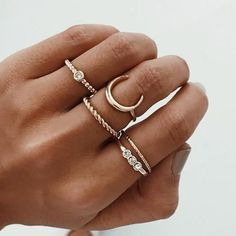 The Dainty Jewelry Inspo You Need To Copy Dainty jewelry necklaces . - The Dainty Jewelry Inspo You Need To Copy Dainty jewelry necklaces & rings! Punk Jewelry, Dainty Jewelry, Jewelry Rings, Silver Jewelry, Silver Ring, Silver Earrings, Stone Jewelry, Pandora Jewelry, Jewelry Dish