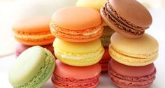 A macaron, a sweet meringue-based confection. The macaron is commonly filled with ganache, buttercream or jam filling sandwiched between two biscuits. Desserts Français, Delicious Desserts, Dessert Recipes, Yummy Food, Zumbo Desserts, Unique Desserts, French Desserts, Baking Recipes, Cookie Recipes