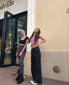 friends and with the best style - Fashion Outfits Retro Outfits, Trendy Outfits, Vintage Outfits, Cool Outfits, Summer Outfits, Fashion Outfits, Fashion Skirts, Fashion Hacks, Fashion Tips