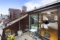 Most Beautiful Loft Balcony Models Roof Balcony, Outdoor Balcony, Rooftop Terrace, Attic Apartment, Attic Rooms, Attic Spaces, Home Room Design, House Design, Retractable Pergola