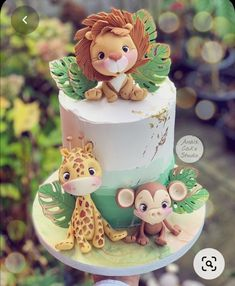 Jungle Safari Cake, Jungle Theme Cakes, Safari Baby Shower Cake, Safari Cakes, Baby Shower Cakes, Safari Theme Birthday, Baby Boy 1st Birthday Party, Baby Birthday Cakes, Safari Party Decorations