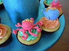 Cake Trails: Mermaid cake These cupcakes are super cute, maybe even as cake pops.