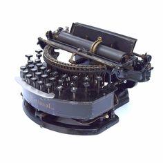 Typewriter Schreibmaschine Macchina da Scrivere Machine a Erire Antique Vtg 打字机