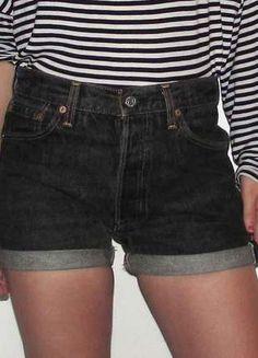 Compra mi artículo en #vinted http://www.vinted.es/ropa-de-mujer/pantalones-cortos-and-shorts-denim-shorts/116622-shorts-levis-501-negros-vintage