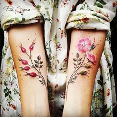 Current Swoon~ Russian Artist Pis Saro Ok, so this incredible artist has practically made me tinkle in my pants. @pissaro_tattoo#botanicaltattoos#rosehips #pixi#pissaro#currentmoon