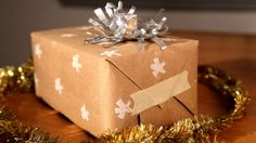 How-Tuesday: Upcycled Gift Wrap on Vimeo