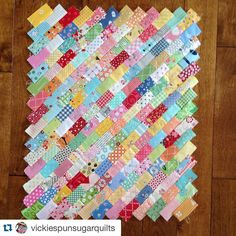 """Kimberly & the FQS team op Instagram: """"We are loving the beautiful colors and designs of this mini quilt using @betsy_chutchian's new book Classic & Heirloom! Order your copy today! Regram from @vickiespunsugarquilts! This is Stepping Out in mini size from Classic and Heirloom quilts book"""