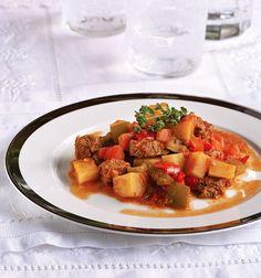 Οι 20 πιο λαχταριστές συνταγές με μοσχαράκι - www.olivemagazine.gr Mediterranean Recipes, Sliders, Pork, Beef, Ethnic Recipes, Recipes, Kale Stir Fry, Meat, Pork Chops