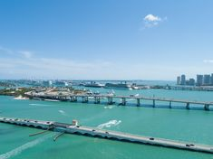 Top 10 Cruise Layover Things to Do Downtown Miami, Miami Florida, Dine In Theater, Miami Skyline, Hidden Places, Cruise Vacation, Plan Your Trip, South Beach