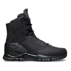 The Oakley SI 6 Boot is your 6 inch lightweight ticket to comfort. Built for PT and light use this boot will lighten your load. Made with and advanced synthetic Tactical Wear, Tactical Clothing, Oakley Military, Men's Shoes, Shoe Boots, Fashion Shoes, Mens Fashion, Luxury Fashion, Military Gear
