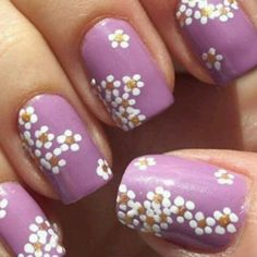 Nail polish trends differ with seasons and as such spring nail art designs will always be different from the adorable nail designs of the autumn or the winter. These spring nail trends are basically easy nail ideas for spring. Daisy Nails, Purple Nails, Violet Nails, Pastel Nails, Diy Nail Designs, Nail Designs Spring, Spring Design, Spring Nail Art, Spring Nails