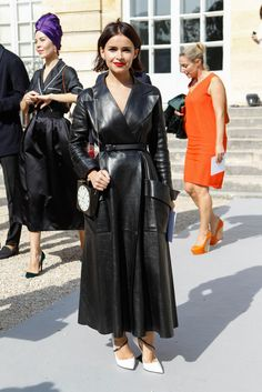 Miroslava Duma in Dior leather trench coat/ pumps, Charlotte Olympia Timepiece box clutch, at Dior Spring 2014 RTW. Diane Kruger carried the same CO Clock bag earlier this month in Berlin. Fashion Show, Fashion Outfits, Womens Fashion, Fashion Design, Paris Fashion, Trent Coat, Leather Trench Coat, Leather Dresses, Miroslava Duma