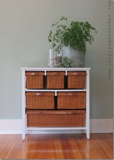 Roadside find dresser #DIY #paintedfurniture #free - www.countrychicpaint.com/blog