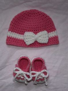Baby Girl Hat and Shoes on Handmade Artists' Shop  #crafts #crochet #ideas