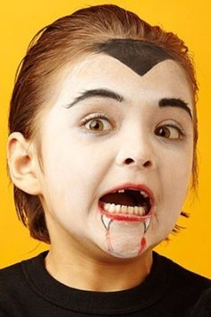 Halloween Face Paint Ideas for Kids For vampires, the fun begins at sundown. Painted-on fangs complete the look but don't Dracula Face Paint, Dracula Makeup, Witch Face Paint, Kids Vampire Makeup, Kids Makeup, Kids Vampire Face Paint, Face Makeup, Easy Halloween Face Painting, Halloween Makeup