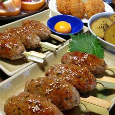 豚ひき肉のつくねです☆ by ひまわりさん in 2020 Cafe Food, Looks Yummy, Aesthetic Food, Japanese Food, Japanese Recipes, Junk Food, Tandoori Chicken, Chicken Wings, Cooking Recipes