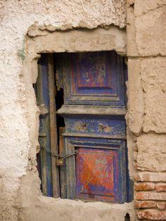 cement over doorway in Montevideo, Uraguay
