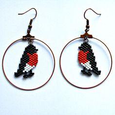 Boucles d'oreilles oiseau en perles miyuki rouge, blanc et noir- tarier pâtre- tissage peyote/brickstitch