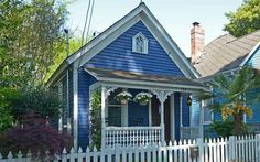 Cabbagetown's 1800s Original Home Asking For $225K Address: 139 Berean Ave SE, Atlanta, GA 30316 Neighborhood: Cabbagetown 1 Beds | 1 Baths | 834 sqft | Built in 1890 | Listed on 4/14  Tiny but cozy. Perfect for single living!
