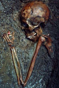 'The Ring Lady' -skeletal remains of woman killed by the eruption of Mount Vesuvius in A.D. 79