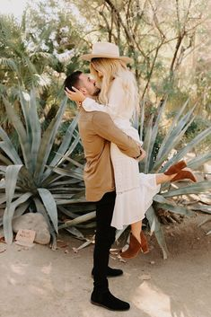 This engagement shoot at Joshua Tree National Park was warm, fun, and carefree! Check out more of Chris and Bre's session. Engagement Photo Outfits, Engagement Couple, Engagement Pictures, Engagement Session, Fall Engagement Shoots, Mountain Engagement Photos, Engagements, Couple Photography Poses, Engagement Photography
