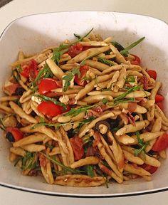 Nudelsalat mediterran, ein schönes Rezept mit Bild aus der Kategorie Party. 6 Bewertungen: Ø 4,1. Tags: Eier oder Käse, Fleisch, Gemüse, Party, Reis- oder Nudelsalat, Salat