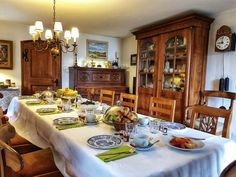 Tenuta Casa Cima is a typical Ticino-style guesthouse offering an apartment and rooms in the small village of Gudo (Bellinzona) South of Switzerland. Best Red Wine, Hotel Services, Extra Bed, Wooden Ceilings, Meeting Place, Double Beds, Free Wifi, Bunk Beds, Hotels