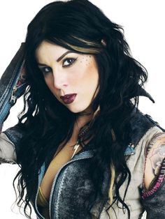 Kat Von D, tattoo artist extraordinaire, is not exempt from crazy people. A fixated fan, which goes by the name of Michael Nunn, has been obsessed with the tat