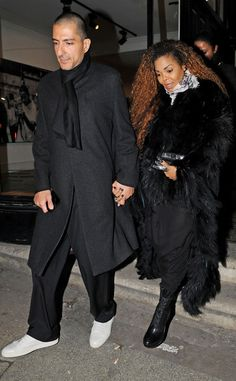 Janet Jackson Seen for the First Time After Mystery Illness Forced Her to Postpone Tour Dates | E! Online Mobile