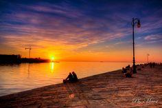 Tramonto autunnale sul molo by marsi  Un tramonto sul molo audace