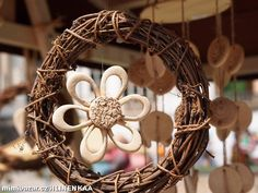 Kytička děravá Grapevine Wreath, Grape Vines, Lab, Pottery, Wreaths, Decor, Pictures, Flowers, Ceramica